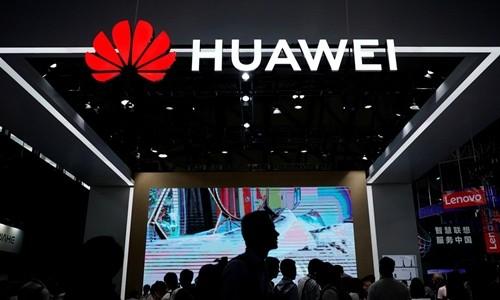 Gian hàng của Huawei tại triển lãm công nghệ CES năm ngoái ở Trung Quốc. Ảnh: Reuters.