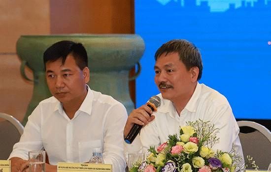 Ông Lại Xuân Thanh (phải). Ảnh:Nguyễn Long.