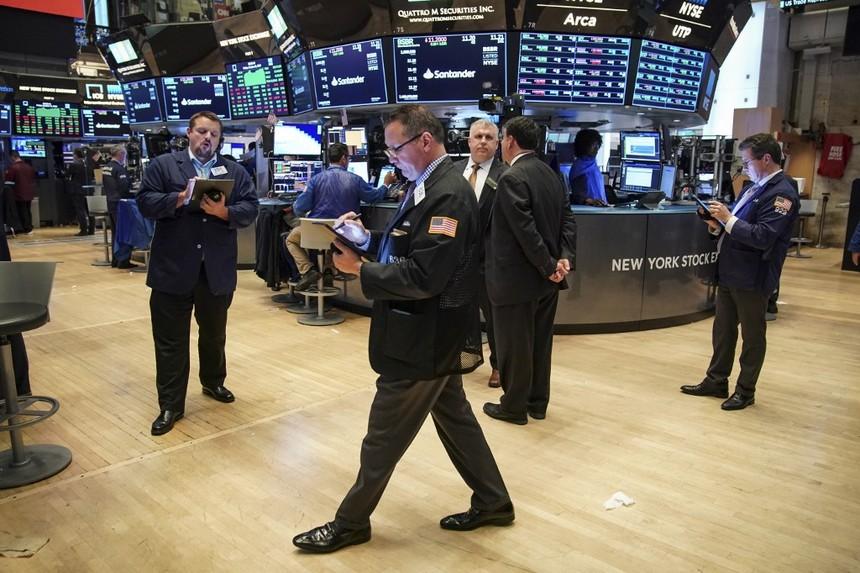 Khối ngoại bất ngờ xả mạnh GTN, bán ròng gần 100 tỷ đồng trong phiên 24/10