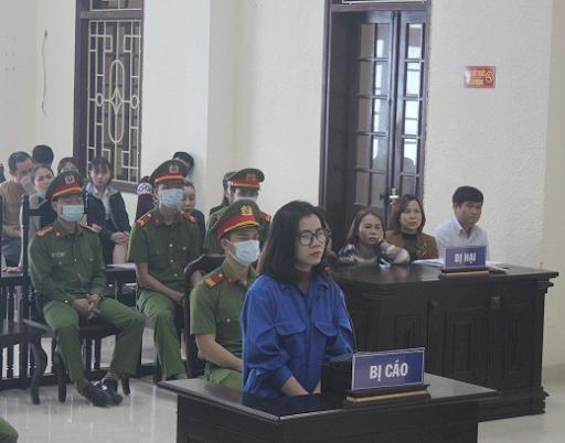 Trần Thị Nhàn tại phiên tòa sơ thẩm. Ảnh: Viện kSND tỉnh Quảng Trị.