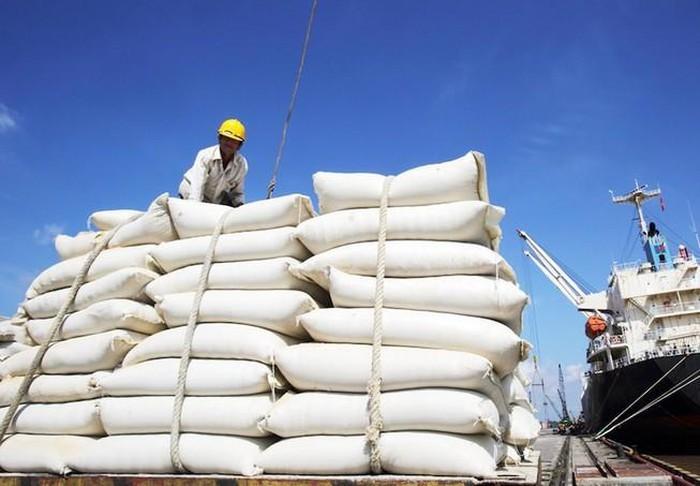 Gián đoạn nguồn cung lương thực do Covid-19, giá gạo tăng kỷ lục 7 năm