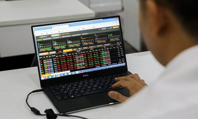 Ồ ạt bán tháo, nhiều cổ phiếu bắt đầu về vùng giá bán ngắn hạn, kỳ vọng sẽ có sự hồi phục