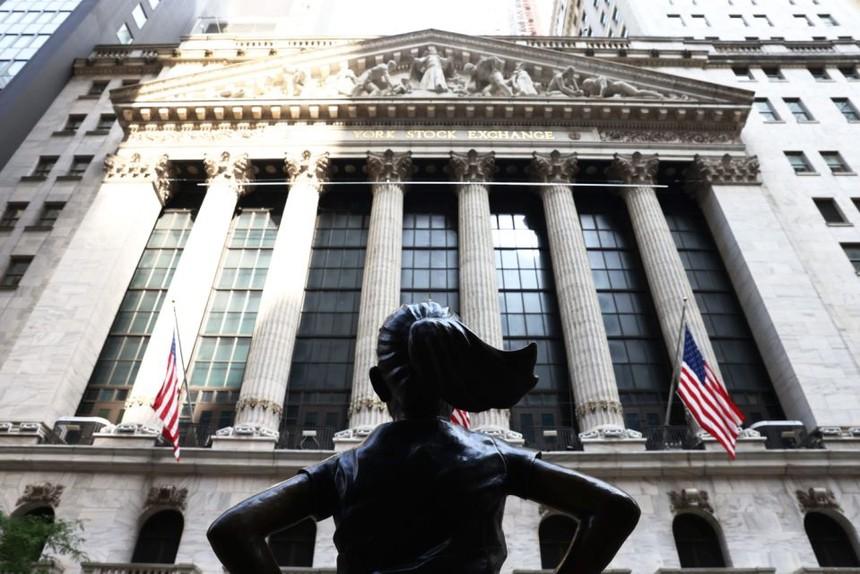 Điều gì giúp chứng khoán Mỹ lập đỉnh mới trong khi kinh tế suy thoái sâu