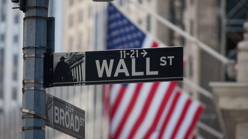 Nhà đầu tư toàn cầu đổ xô mua cổ phiếu sau hiệu ứng từ thông tin vắc xin
