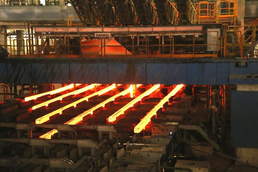Sản lượng bán hàng các loại thép của Hòa Phát (HPG) lần đầu tiên đạt trên 1 triệu tấn/tháng