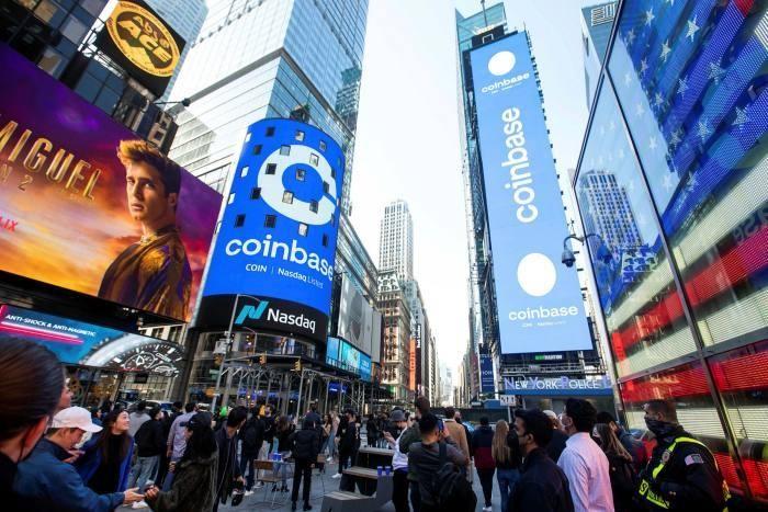 Sàn giao dịch tiền điện tử Coinbase được niêm yết vào tháng 3/2021 được định giá 72 tỷ USD. Ảnh: Bloomberg