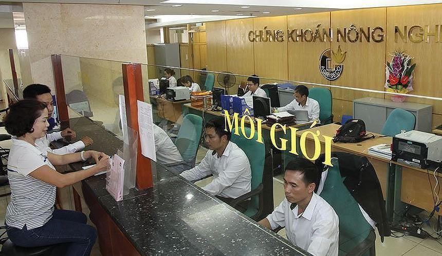 Chứng khoán Agribank (AGR) lên kế hoạch bán 800.000 cổ phiếu quỹ với giá thối thiểu 13.500 đồng