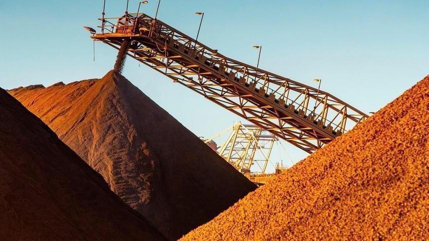 Giá quặng sắt giảm mạnh, ngược dòng xu hướng bùng nổ của giá hàng hoá