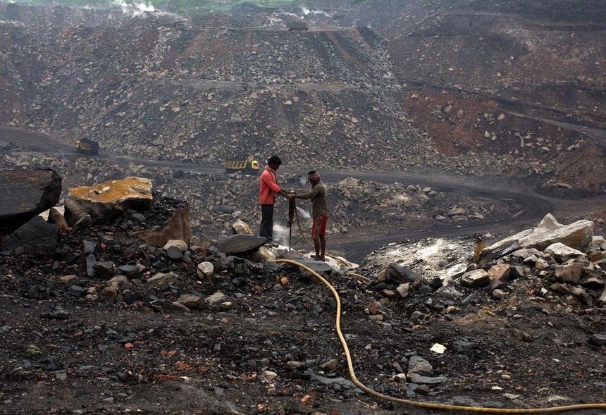 Khủng hoảng than ở Ấn Độ bùng phát khi nhu cầu điện tăng cao