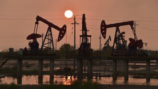 Giá dầu WTI vượt ngưỡng 80 USD theo sau cuộc khủng hoảng năng lượng