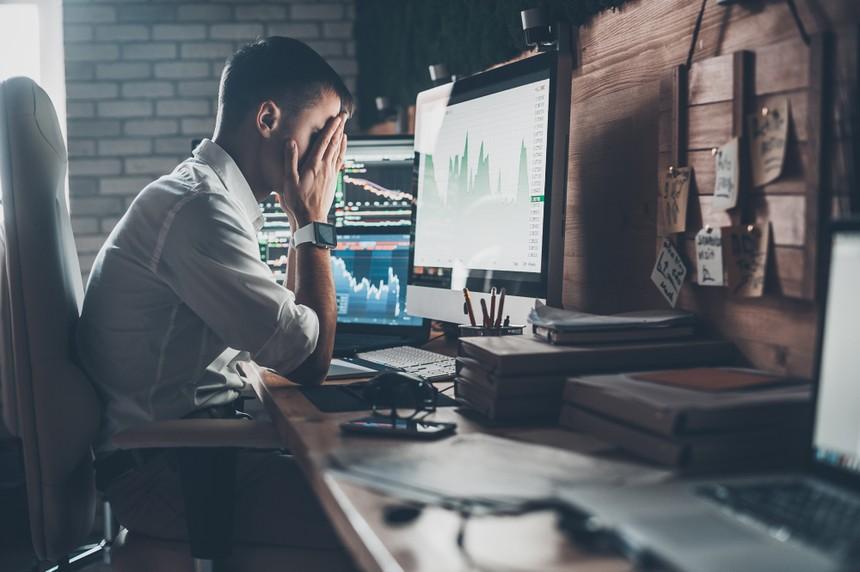 Các nhà đầu tư đều thận trọng, nên rủi ro suy giảm ở các nhóm cổ phiếu là như nhau. Ảnh Shutterstock.
