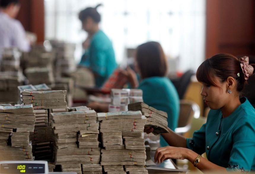 Myanmar đã kiềm chế được đà mất giá phi mã của nội tệ