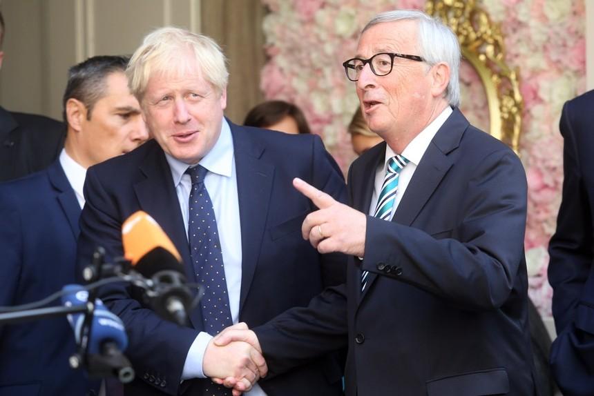 Thủ tướng Anh Boris Johnson và Chủ tịch EC Jean-Claude Juncker. Ảnh: Getty Images.