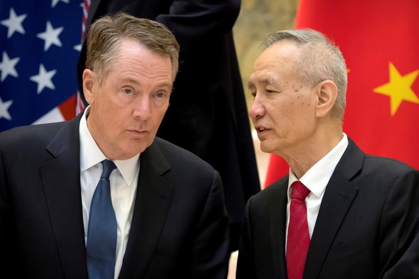 Đại diện Thương mại Mỹ Robert Lighthizer và Phó Thủ tướng Quốc vụ viện Trung Quốc Lưu Hac. Ảnh: Reuters.