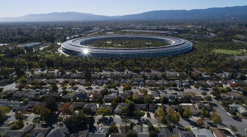 """Trụ sở """"tàu vũ trụ"""" của Apple tại Cupertino, California."""