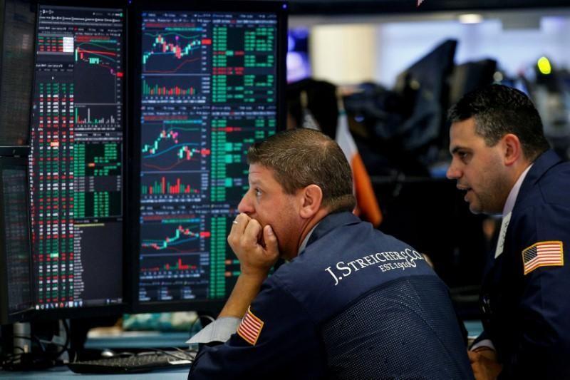 Nhận tín hiệu xấu, giới đầu tư tháo chạy