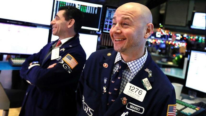Gạt bỏ sợ hãi, giới đầu tư hào hứng xuống tiền