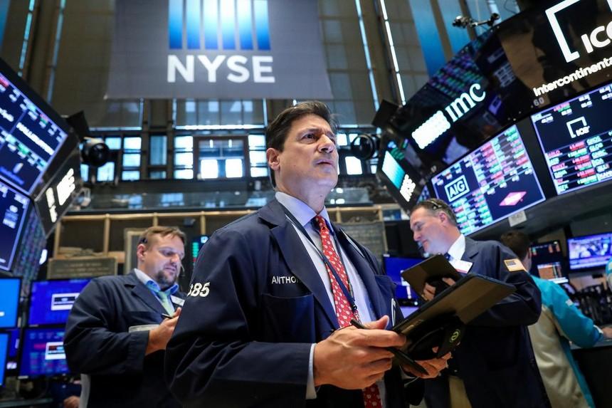Bất chấp tin tốt dồn dập, giới đầu tư vẫn lo âu