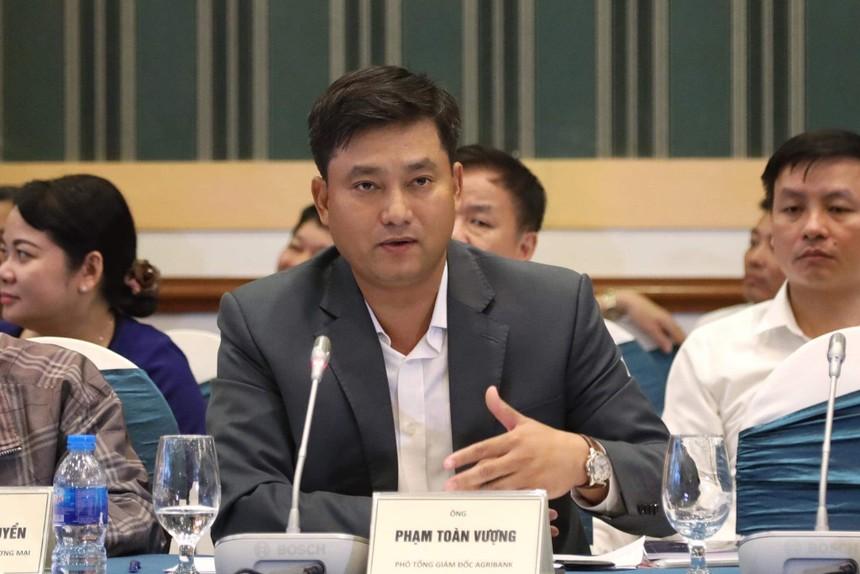 Ông Phạm Toàn Vượng - Phó tổng giám đốc Agribank - khẳng định Agribank đang nỗ lực đẩy mạnh triển khai chính sách tín dụng phục vụ phát triển nông nghiệp, nông thôn đến người dân được nhanh chóng và thuận lợi nhất