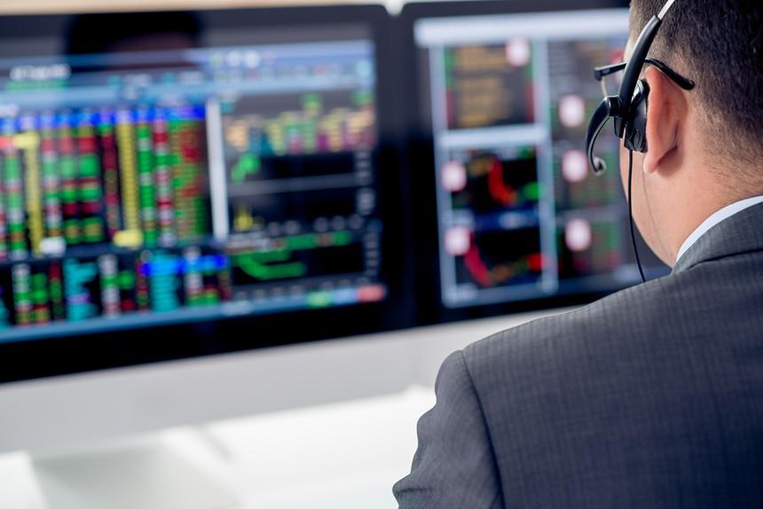 Giao dịch chứng khoán khối ngoại ngày 5/5: Bán ròng 745 tỷ đồng, giao dịch mạnh cổ phiếu ngân hàng