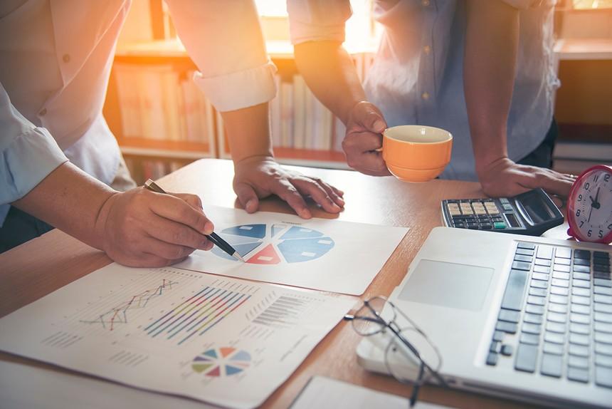 Góc nhìn giao dịch chứng khoán tuần mới: Nhóm cổ phiếu ngân hàng, thép và dệt may vẫn có diễn biến tốt