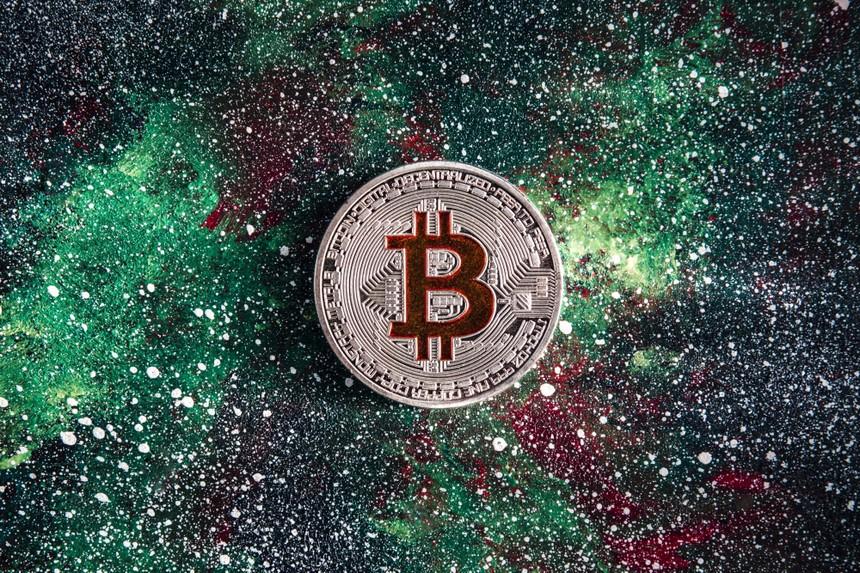 """Giá Bitcoin hôm nay ngày 11/10: Bitcoin vượt mốc 56.000 USD, nhà đầu tư bắt đầu """"tham lam"""""""