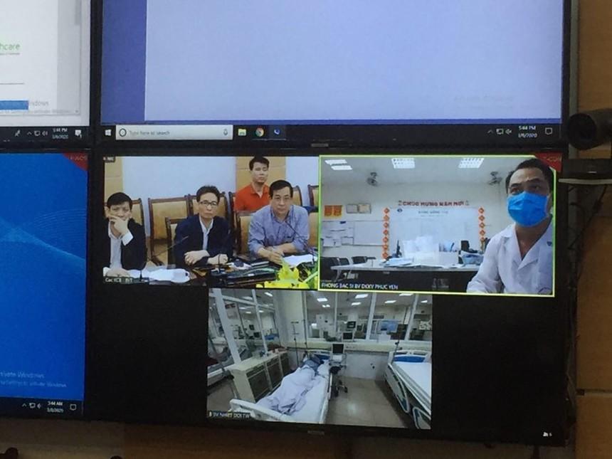 Qua màn hình trực tuyến, BSCK2 Nguyễn Trung Cấp, Trưởng khoa Cấp cứu Bệnh viện Bệnh Nhiệt đới TW cơ sở 2 báo cáo với Phó Thủ tướng, Bệnh viện hiện đang điều trị 9 bệnh nhân dương tính COVID-19, trong đó có 5 bệnh nhân ở Hà Nội, 4 bệnh nhân từ Quảng Ninh