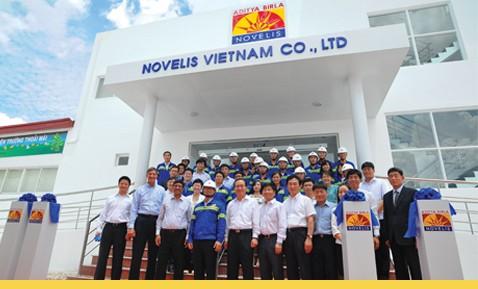"""Novelis Việt Nam:""""lách thuế"""" bằng chiêu gia công ở nước ngoài?"""