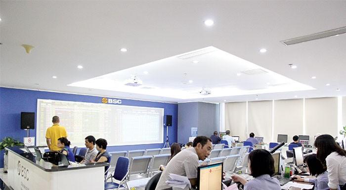 Trong kịch bản tích cực, BSC dự báo, đến cuối năm 2015, VN-Index có khả năng đạt 650 điểm