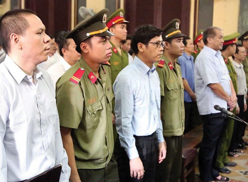 Theo cáo trạng, có nhiều giao dịch giữa bị cáo Phạm Công Danh và nhóm Trần Ngọc Bích liên quan đến số tiền 5.190 tỷ đồng