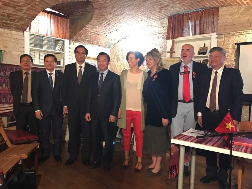 Đoàn lãnh đạo TP.Đà Nẵng làm việc với Lãnh sự Danh dự Việt Nam tại thành phố Turin