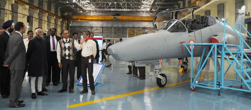 Ấn Độ mở cửa thu hút đầu tư đặc biệt vào quân sự