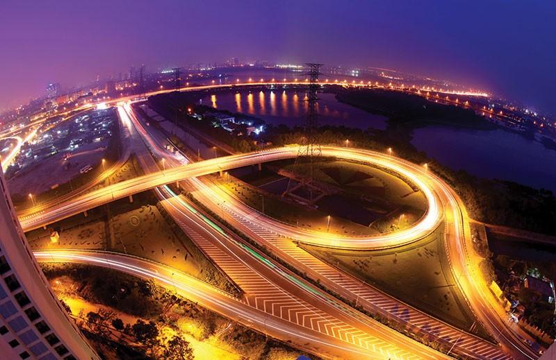 Hà Nội đang kêu gọi hàng trăm nghìn tỷ đồng đầu tư vào hạ tầng giao thông, đô thị… Ảnh: Dũng Minh