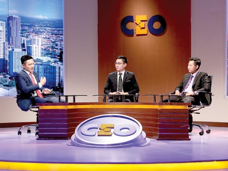 Ông Nguyễn Văn Tài, Giám đốc Công ty VietSense là người chơi ngồi ở vị trí CEO