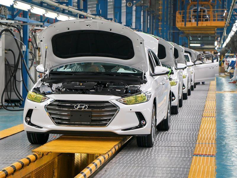 Dây chuyền lắp ráp xe du lịch tại Công ty Hyundai - Thành Công.