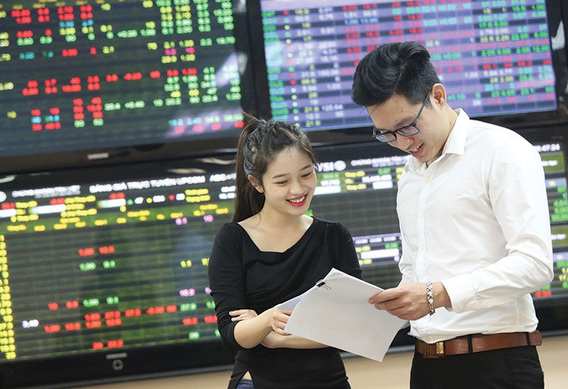 9 tháng đầu năm 2017, tổng mức huy động thông qua phát hành cổ phiếu đạt 33.500 tỷ đồng, bằng 93% thực hiện trong cả năm 2016