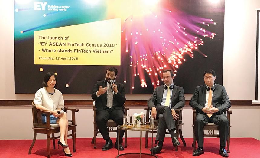 """Các diễn giả tham dự Hội thảo công bố """"Khảo sát toàn cảnh về Fintech khu vực ASEAN 2018 - FinTech Việt Nam đang ở đâu?"""""""