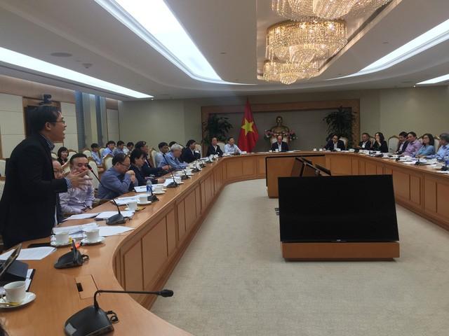 Ông Nguyễn Hoài Nam, phó tổng thư ký Vasep, kiến nghị với Tổ công tác của Thủ tướng - Ảnh: Đ.HÀ