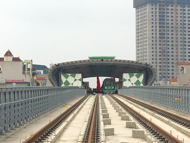 Đường sắt đô thị Cát Linh - Hà Đông liên tục vỡ tiến độ.