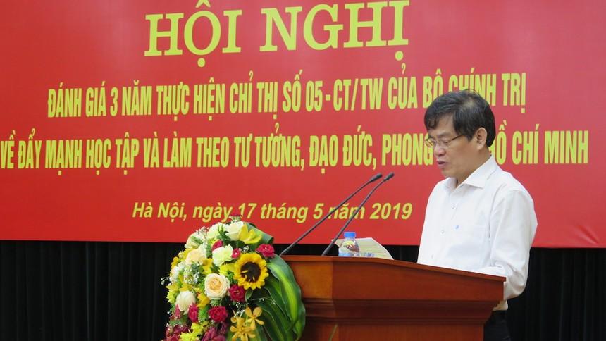Học tập, làm theo tư tưởng, đạo đức, phong cách Hồ Chí Minh chính là sự nêu gương thiết thực nhất
