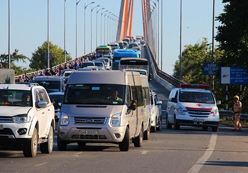 Cầu Rạch Miễu 1 được đưa vào khai thác từ năm 2009 thường xuyên bị quá tải