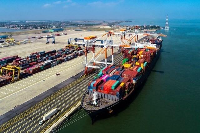 Dự án xây dựng 2 bến container số 3, 4 thuộc Cảng cửa ngõ quốc tế Hải Phòng có mục tiêu xây dựng 2 bến container số 3, 4 dài 750 m, tiếp nhận cỡ tàu container đến 100.000 DWT; xây dựng 1 bến sà lan tiếp nhận tàu, sà làn sức chứa 100 – 160 Teus.