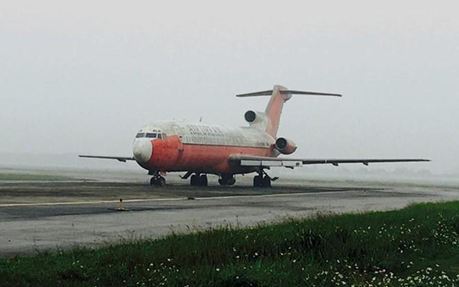 Máy bay Boeing 727 bỏ quên tại sân bay Nội Bài hơn 12 năm vẫn chưa có cách xử lý. Ảnh: Cục Hàng không