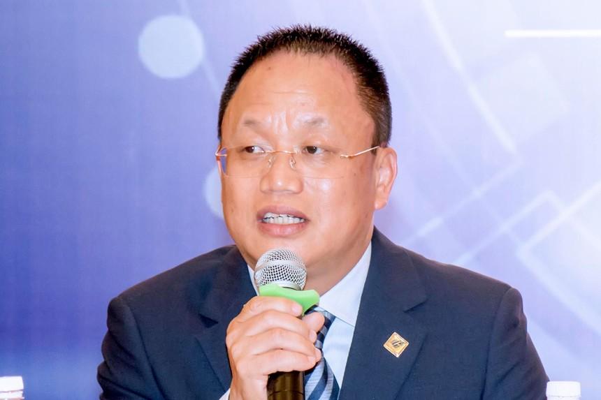 Ông Nguyễn Cảnh Hồng, Tổng giám đốc Công ty Eurowindow, Chủ tịch Câu lạc bộ Doanh nhân Sao Đỏ