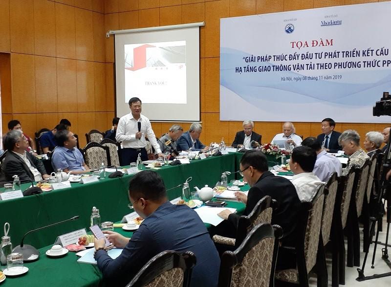 Cục trưởng Cục Quản lý đấu thầu Nguyễn Đăng Trương phát biểu tại Tọa đàm.