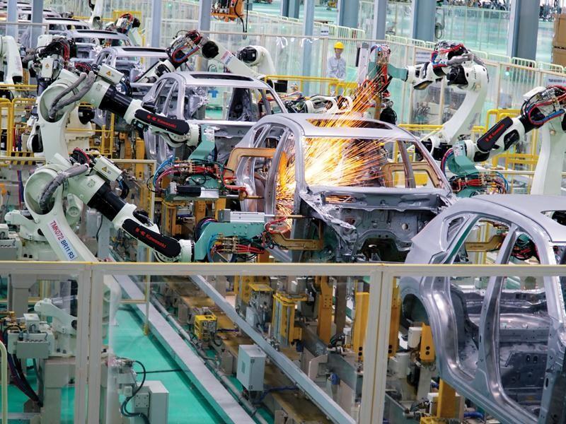 Diện mạo mới của nhiều ngành nghề, lĩnh vực trong nền kinh tế ngày càng mang đậm dấu ấn của các doanh nghiệp tư nhân Việt Nam.
