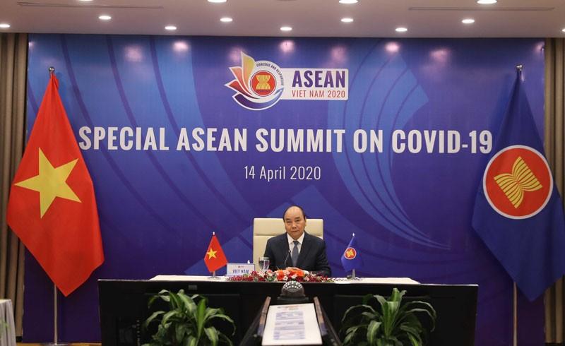 Thủ tướng Nguyễn Xuân Phúc chủ trì Hội nghị từ đầu cầu Việt Nam