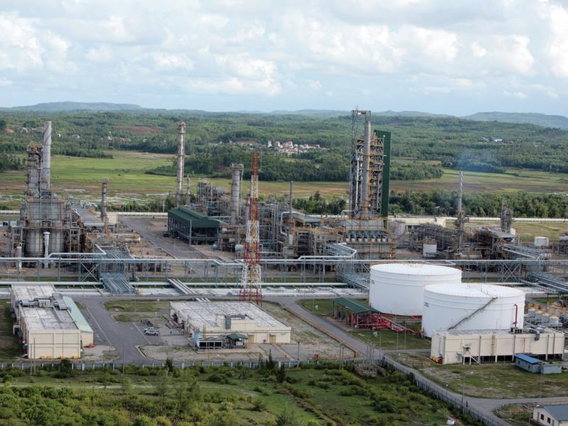 Do ảnh hưởng của Covid-19, Nhà máy Lọc dầu Dung Quất phải xem xét phương án tạm dừng vận hành một thời gian. Ảnh: Lê Toàn