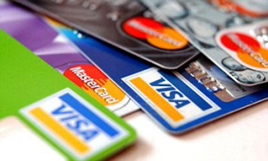 Visa, MasterCard đang thu 3 - 4 loại phí trên mỗi giao dịch thẻ tại Việt Nam