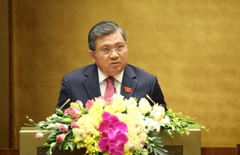 Chủ nhiệm Ủy ban Đối ngoại của Quốc hội, ông Nguyễn Văn Giàu trình bày Thẩm tra Tờ trình về việc phê chuẩn EVFTA
